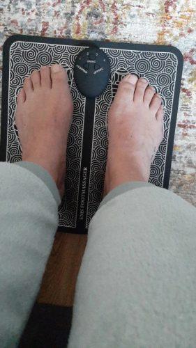 EMS стимулатор за насърчаване на кръвообращението в краката MASSAGE PRO photo review