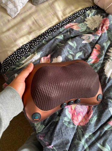 Масажна възглавница с нагряване photo review